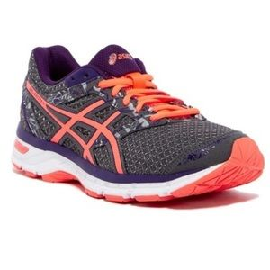 Asics Gel Excite 4 Women's Running Shoes - size 10